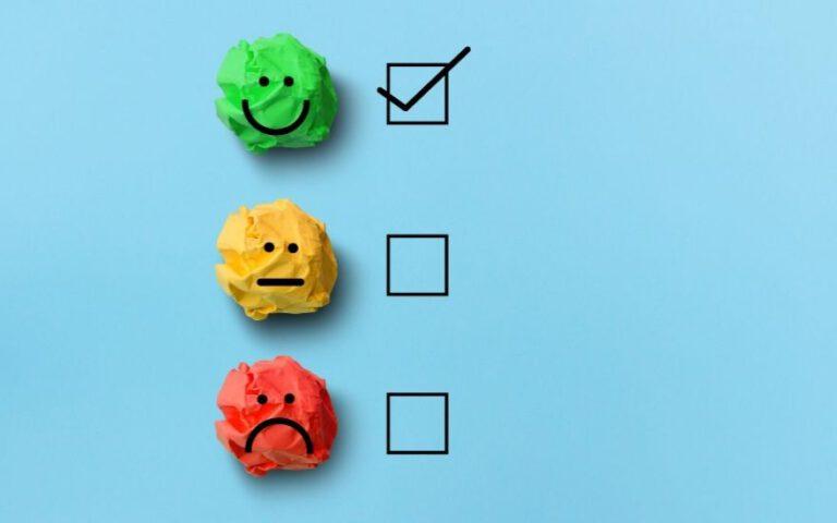 trzy buźki - uśmiechnięta, nijaka, smutna
